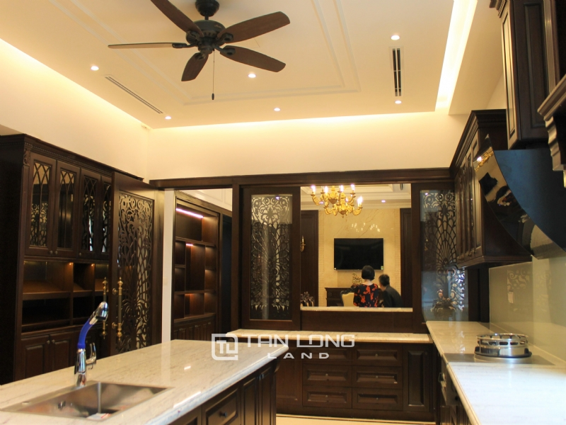 Luxurious & Stunning Detached Villa to lease with Wine Cellar and Elevator 23