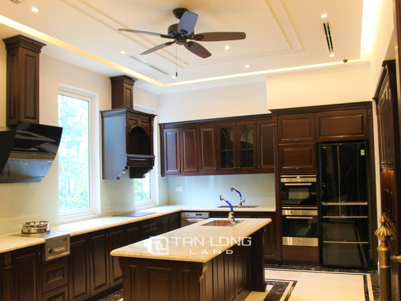 Luxurious & Stunning Detached Villa to lease with Wine Cellar and Elevator 25