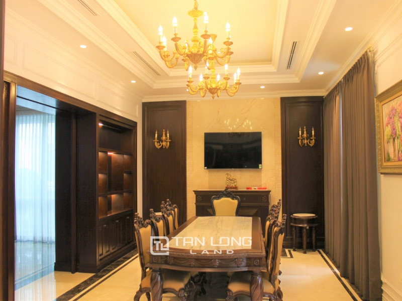 Luxurious & Stunning Detached Villa to lease with Wine Cellar and Elevator 26