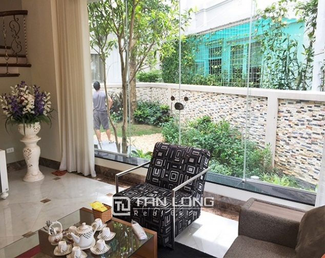 Luxurious villa for lease in Vinhomes Riverside in Hoa Phuong with full furniture 6