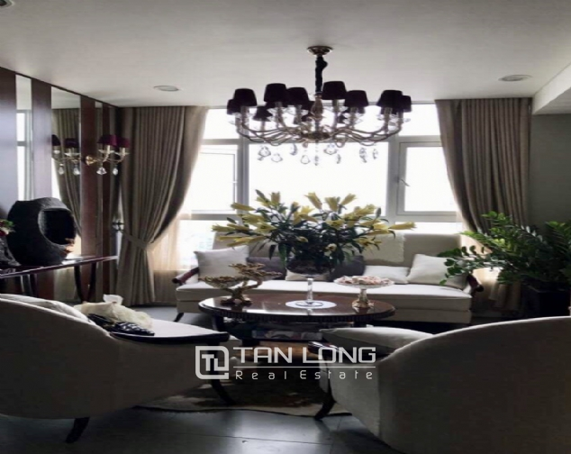 Luxury apartment for rent with 2 bedrooms in Watermark, Lac Long Quan street! 2