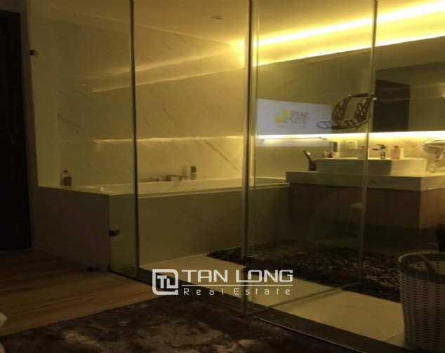 Luxury apartment for rent with 2 bedrooms in Watermark, Lac Long Quan street! 8