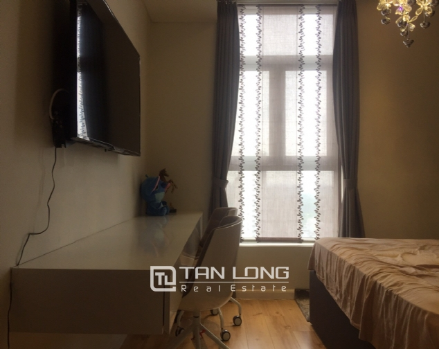 Luxury apartment for rent with 2 bedrooms in Watermark, Lac Long Quan street! 10