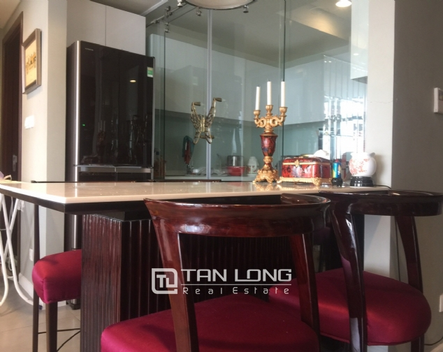 Luxury apartment for rent with 2 bedrooms in Watermark, Lac Long Quan street! 3