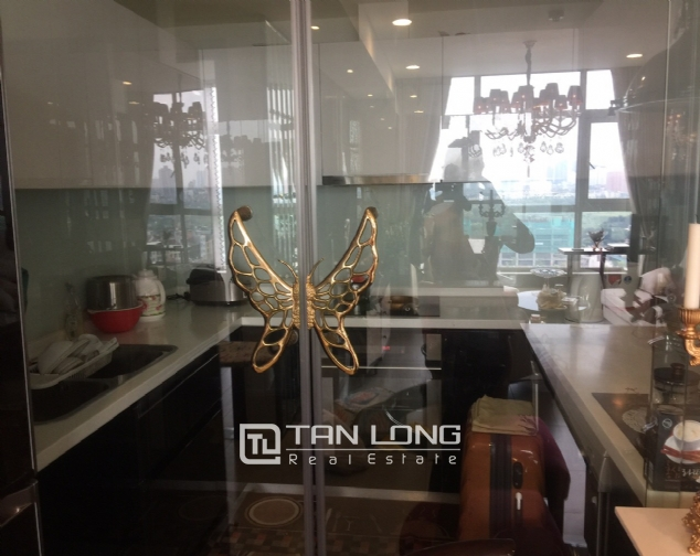 Luxury apartment for rent with 2 bedrooms in Watermark, Lac Long Quan street! 4