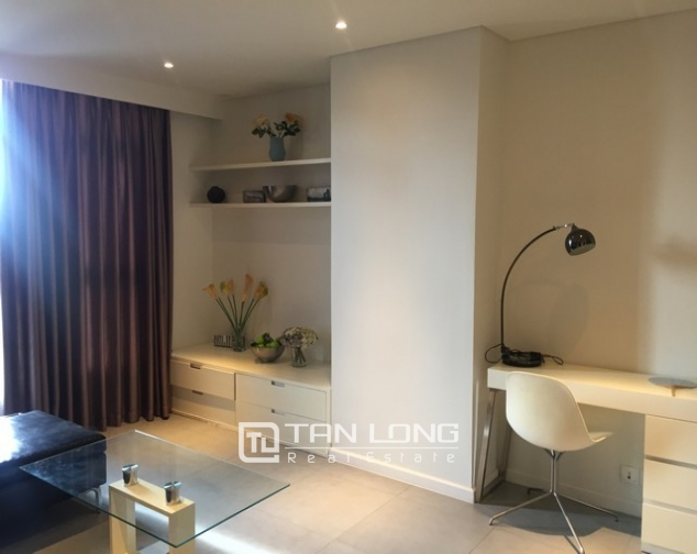 Luxury apartment in Watermark in Tay Ho dist for lease in Hanoi 3