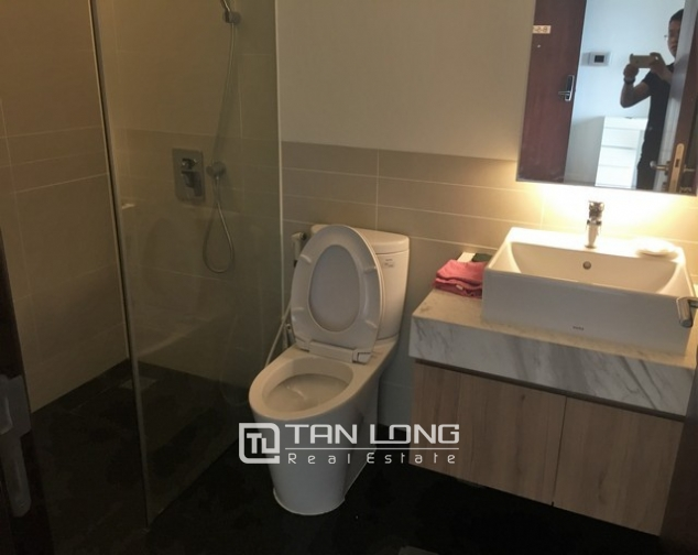 Luxury apartment in Watermark in Tay Ho dist for lease in Hanoi 6