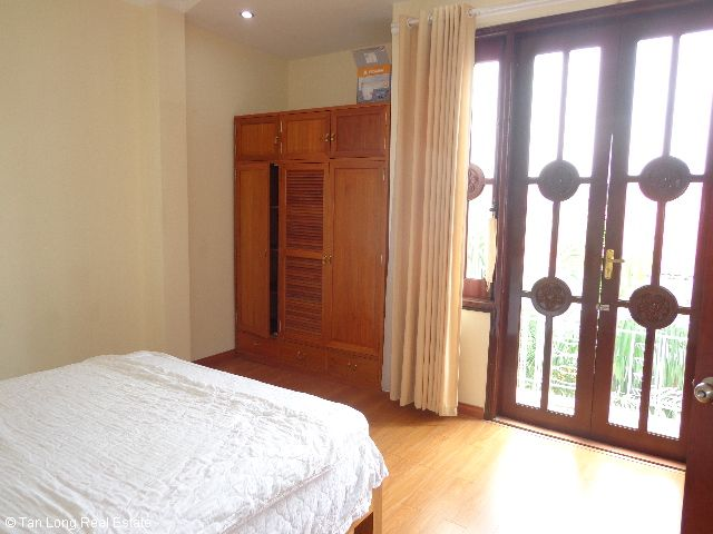 Luxury apartment rental in Xuan Dieu, Tay Ho district, Hanoi 8