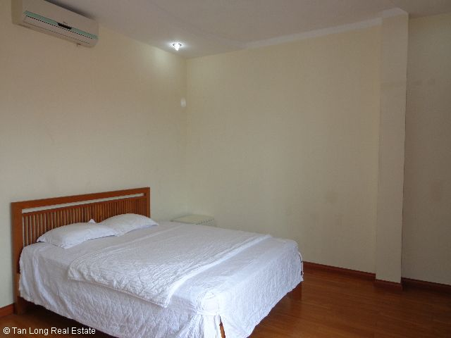Luxury apartment rental in Xuan Dieu, Tay Ho district, Hanoi 9