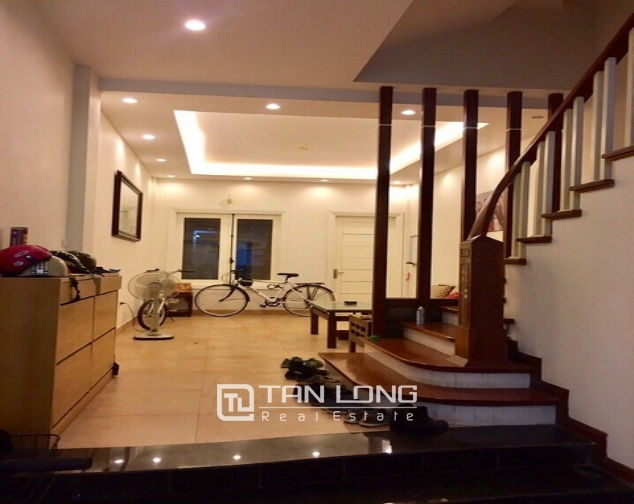 Luxury house in Lac Long Quan Street, Tay Ho district, Hanoi for rent 3