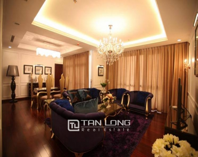 Luxury royal style three bedroom apartment for rent in Royal City, Nguyen Trai str., Thanh Xuan dist., Hanoi 2
