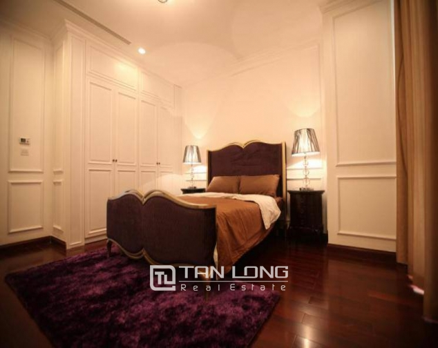 Luxury royal style three bedroom apartment for rent in Royal City, Nguyen Trai str., Thanh Xuan dist., Hanoi 4