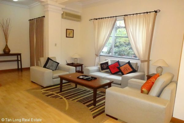 Luxury serviced apartment rental near Opera House Hoan Kiem district 2