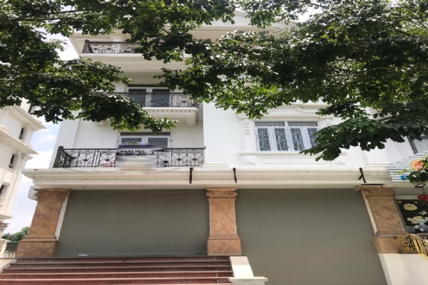LUXURY VILLA IN AN BINH GREEN URBAN FOR RENT