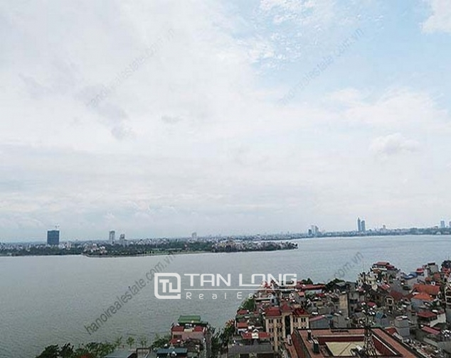 Luxury Watermark apartment in Tay Ho district for lease 1