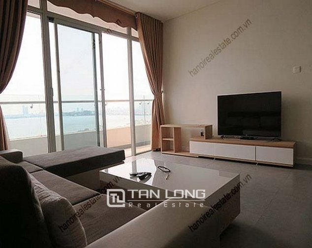 Luxury Watermark apartment in Tay Ho district for lease 3