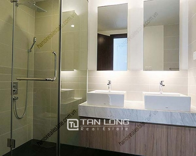 Luxury Watermark apartment in Tay Ho district for lease 8