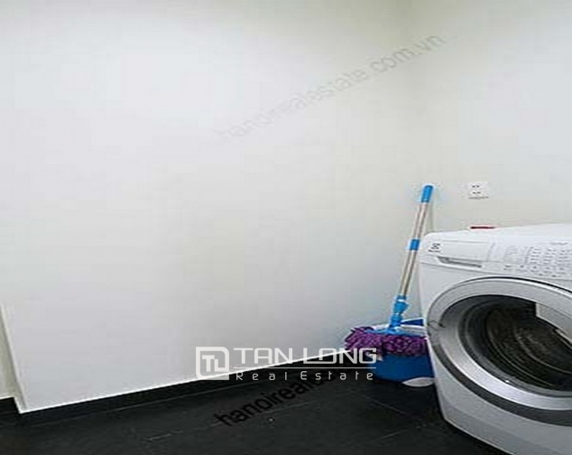 Luxury Watermark apartment in Tay Ho district for lease 2