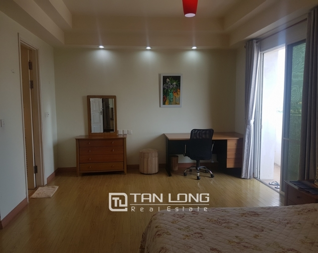 Majestic 3 bedroom apartment for rent in E5 building, ciputra urban area. 6
