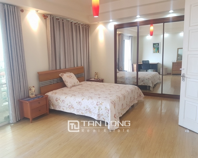Majestic 3 bedroom apartment for rent in E5 building, ciputra urban area. 7