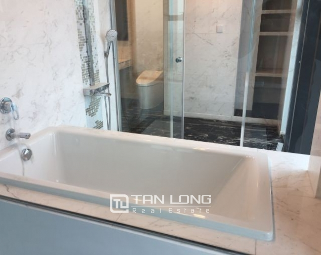 Majestic apartment in Hoang Thanh Tower, Hai Ba Trung  district, Hanoi for rent 6