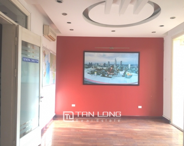 Majestic house in Xuan Dieu street, Tay Ho dist for lease 3