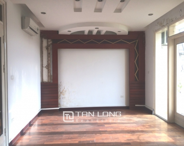 Majestic house in Xuan Dieu street, Tay Ho dist for lease 5
