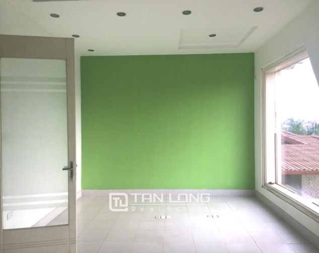 Majestic house in Xuan Dieu street, Tay Ho dist for lease 8