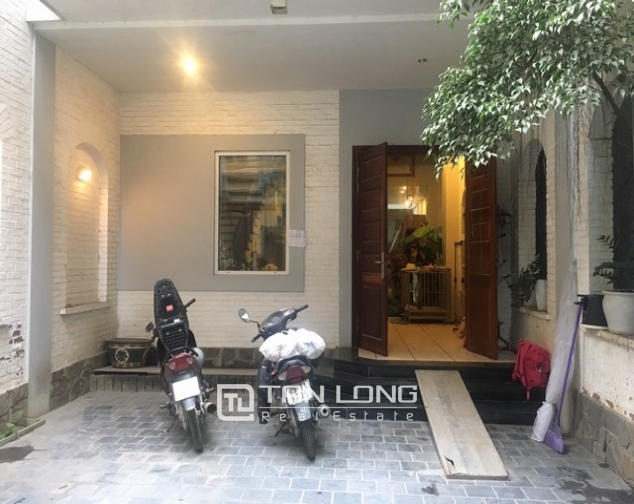 Majestic house in Xuan Dieu street, Tay Ho dist, Hanoi for lease 1