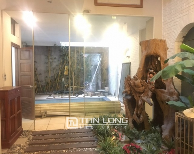 Majestic house in Xuan Dieu street, Tay Ho dist, Hanoi for lease 3