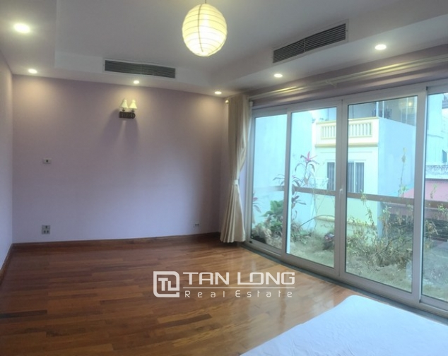 Majestic house in Xuan Dieu street, Tay Ho dist, Hanoi for lease 8