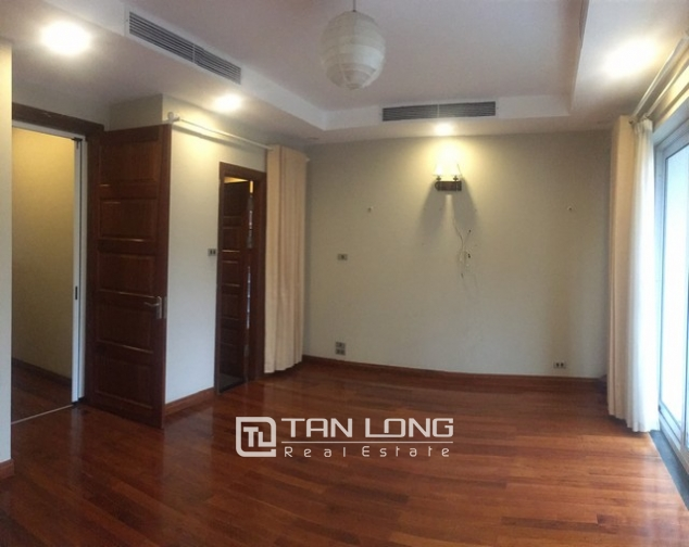 Majestic house in Xuan Dieu street, Tay Ho dist, Hanoi for lease 10
