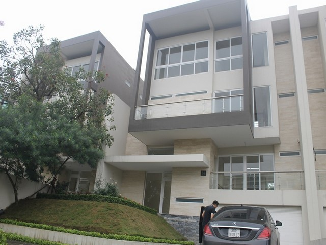 Majestic villa for rent in Ciputra, Tay Ho district for rent