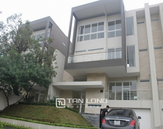 Majestic villa for rent in Ciputra, Tay Ho district, Hanoi for rent. 2