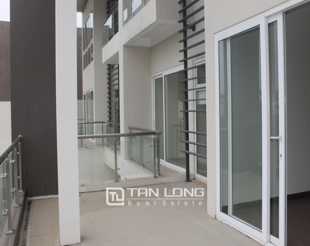 Majestic villa for rent in Ciputra, Tay Ho district, Hanoi for rent. 3