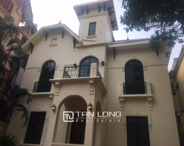 Majestic villas in To Ngoc Van street, Tay Ho dist for lease 4