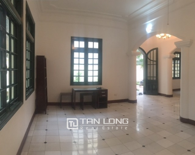 Majestic villas in To Ngoc Van street, Tay Ho dist for lease 9