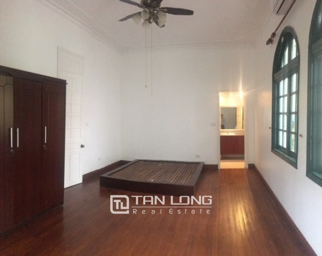 Majestic villas in To Ngoc Van street, Tay Ho dist for lease 1