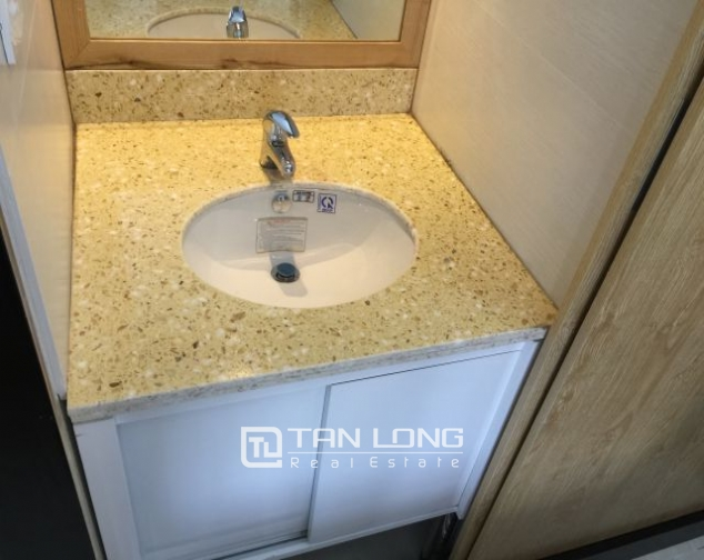 Modern 2 bedrooms serviced apartment for lease in Yet Kieu, Hoan Kiem district 8
