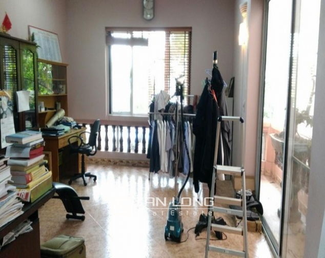 Modern 4 bedroom villa for rent in Cau Giay street, full of high-end furniture 6