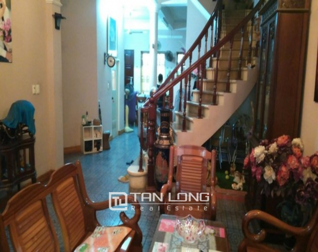 Modern 4 bedroom villa for rent in Cau Giay street, full of high-end furniture 1