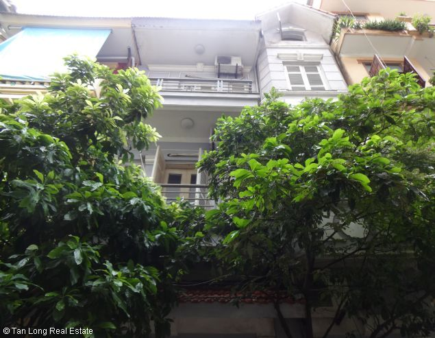Modern 4 storey house for lease in Nghi Tam, Tay Ho, Hanoi 1