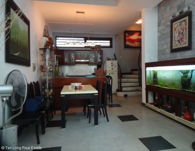Modern 4 storey house for lease in Nghi Tam, Tay Ho, Hanoi 4