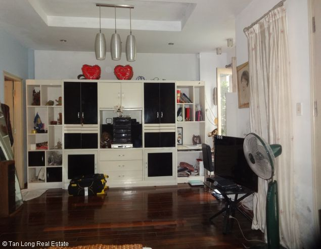 Modern 4 storey house for lease in Nghi Tam, Tay Ho, Hanoi 3