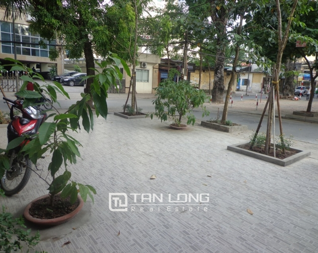 Modern 4 storey villa for rent in Doc Ngu, Vinh Phuc, Ba Dinh 1