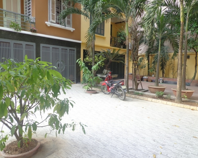 Modern 4 storey villa for rent in Doc Ngu, Vinh Phuc, Ba Dinh 2