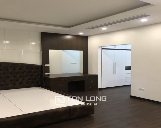 Modern 4-bedroom double villa for lease in Starlake 7