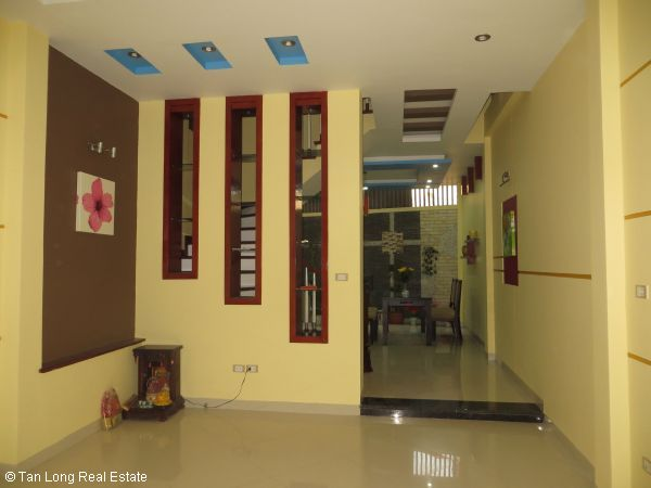 Modern 5-storey house for rent in Tran Duy Hung, Cau Giay dist, Hanoi 1