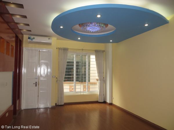 Modern 5-storey house for rent in Tran Duy Hung, Cau Giay dist, Hanoi 5