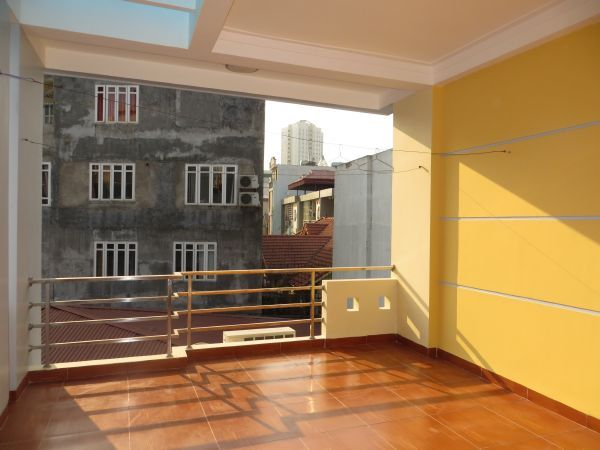 Modern 5-storey house for rent in Tran Duy Hung, Cau Giay dist, Hanoi